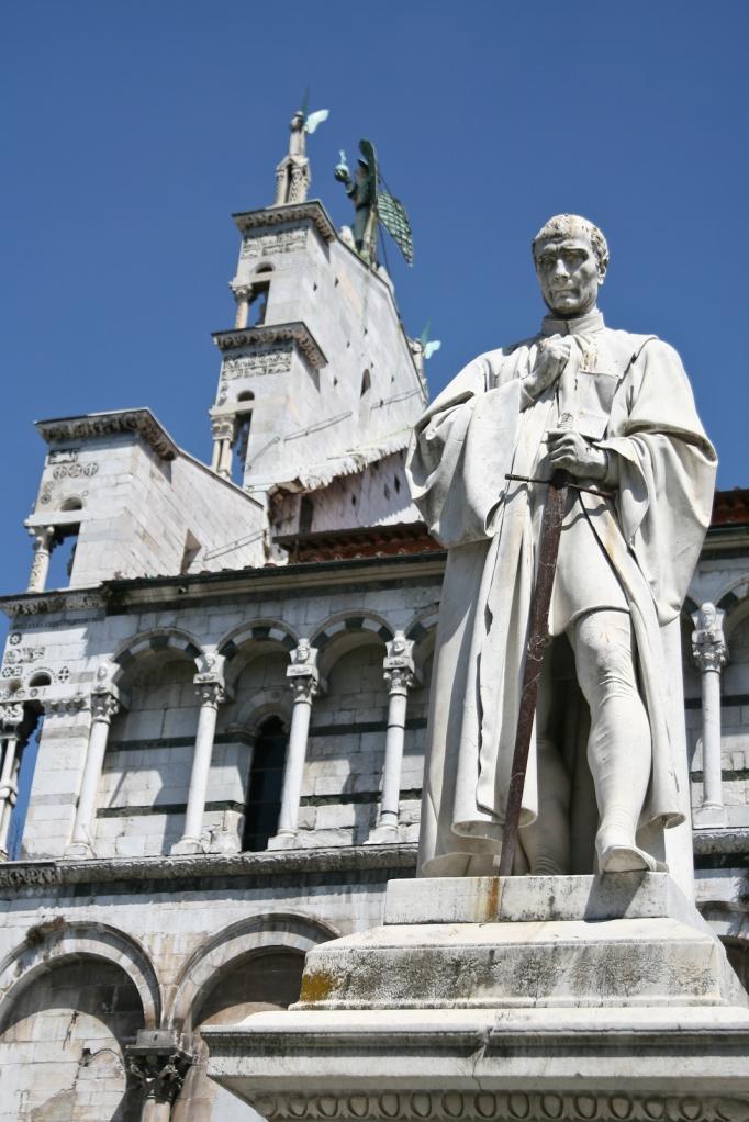 Piazza S. Michele, Lucca